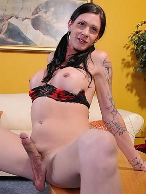 Sexy Morgan posing her long hard shecock